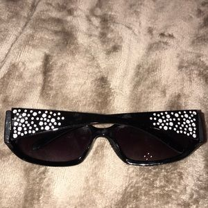 Kenneth Cole reaction rhinestone sunglasses